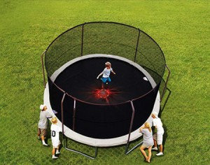 Heavy-duty trampoline safety net